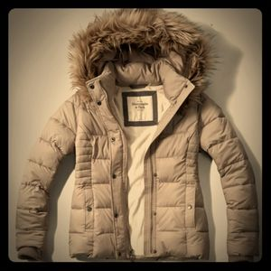 NWOT A&F Premium Water resistant Puffer Jacket